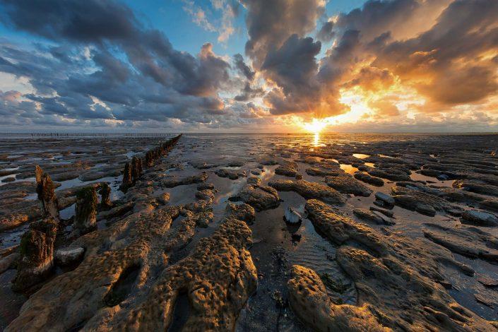 Review Canon EF 11-24mm f/4 L lens - Waddenzee- een mooie zonsondergang bij laag water boven de Waddenzee