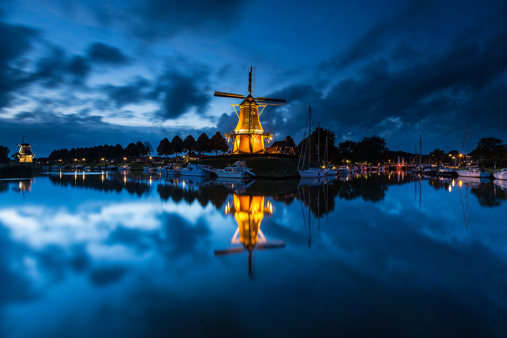 Molen De Hoop in Dokkum in Friesland