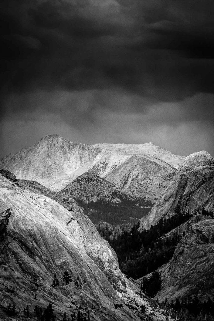 Black and white image of Yosemite National Park