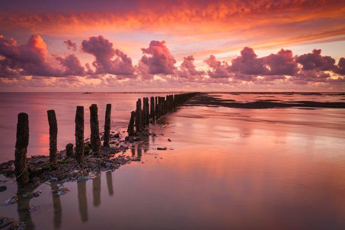 Waddenzee - Zonsondergang boven de Waddenzee bij Ternaard