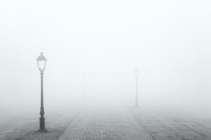 De Fraeylemaborg in Slochteren, in dichte mist