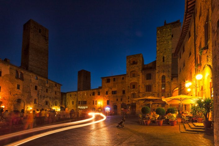 An evening scene in San Gimignano