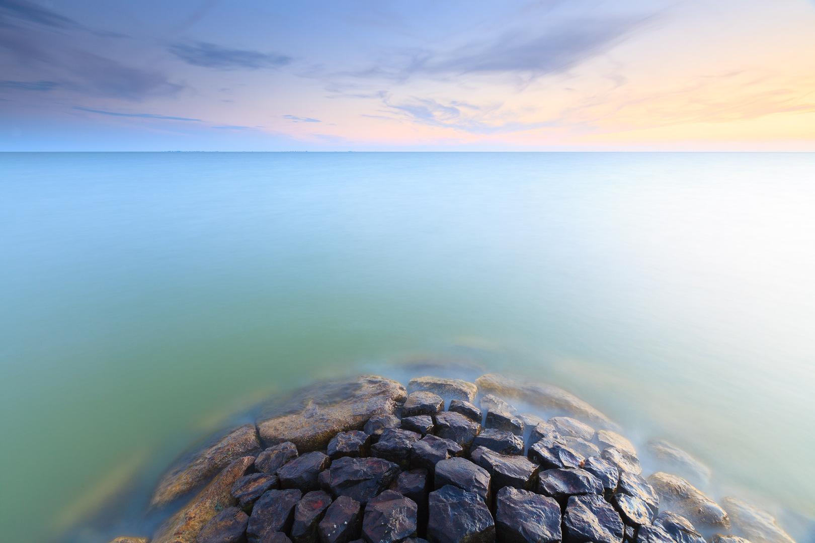 Foto apparatuur voor landschapsfotografie - Zonsondergang boven het IJsselmeer bij Stavoren - Bas Meelker Landschapsfotografie
