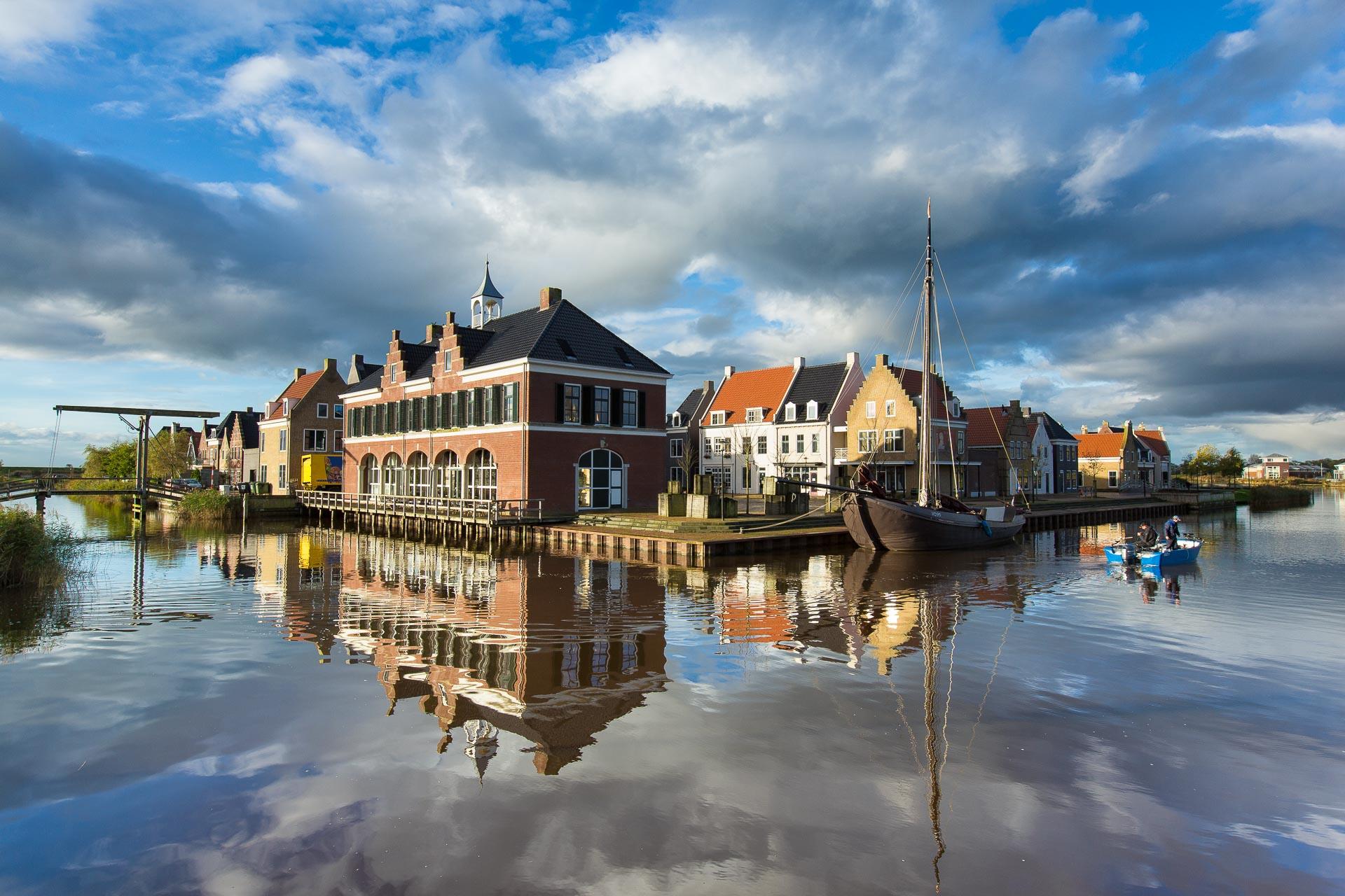 Een kalme ochtend bij Esonstad in Oostmahorn in Friesland - Bas Meelker Landschapsfotografie